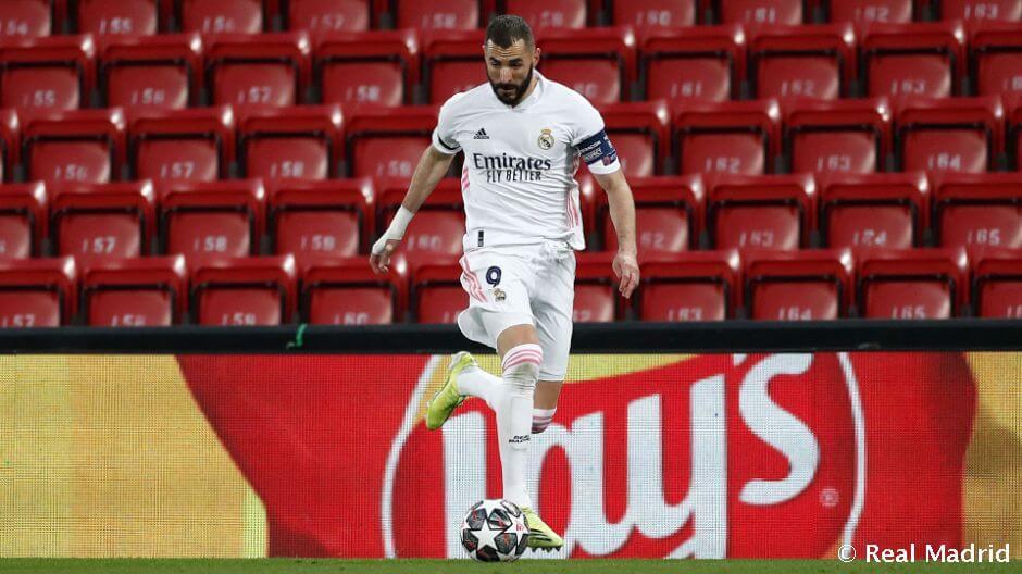 Benzema beérte Roberto Carlost