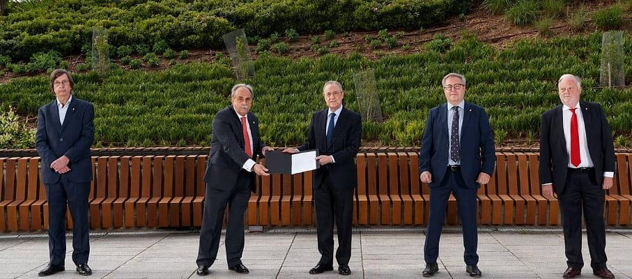 Florentino Pérez marad a Real Madrid elnöke 2025-ig