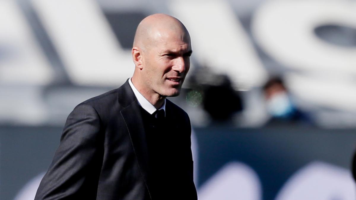 """Benzema: """"Zidane nem tervezi elhagyni a Real Madridot"""""""
