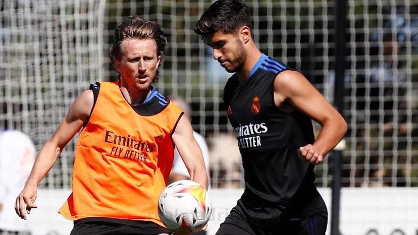 Modric újra a többiekkel együtt edzett
